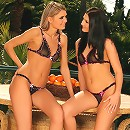 Dominika and Lulu - Slender hotties tongue and finger
