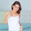 Nubiles.net Lexi Bloom - Nubile Lexi Bloom stuffs her tight teen pussy with a vibrator